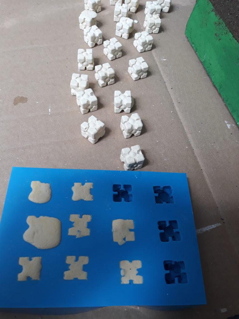 Moldes de silicone e peças em gesso